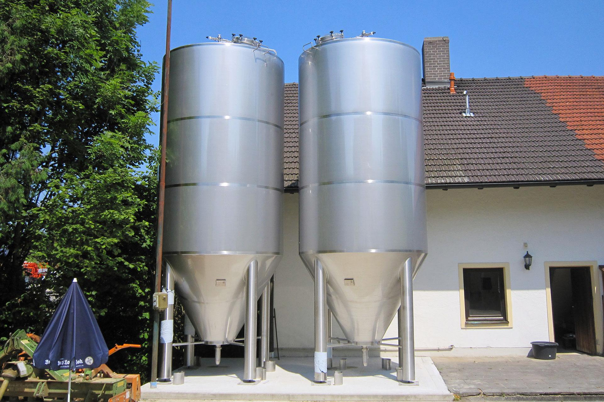 poeschl_anlagenbau_Brauerei_Breau-z'Loh-Outdoortanks